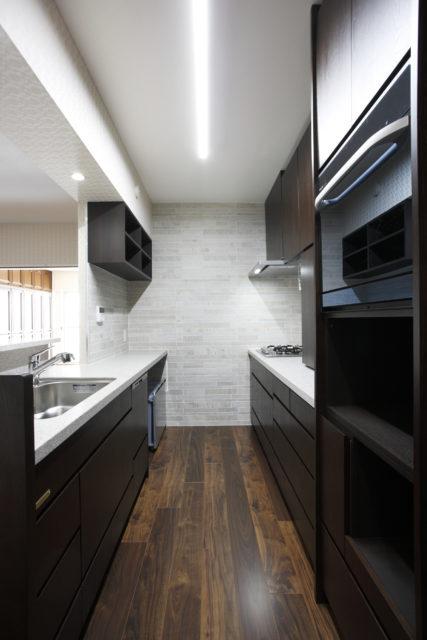 カッコイイ、素敵な造作キッチンでリフォーム