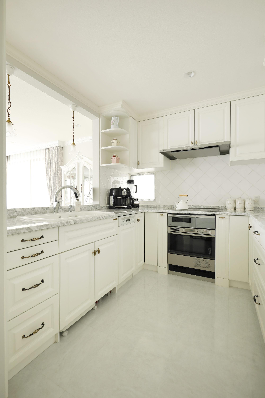 ホワイトのキッチンが素敵なメーカー