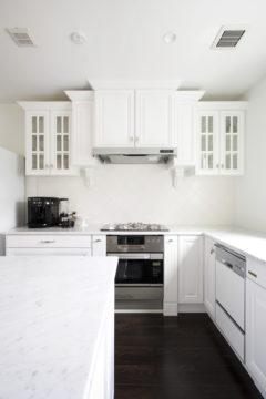 キッチンの吊戸棚のデザインならオーダーキッチンで実現。の画像