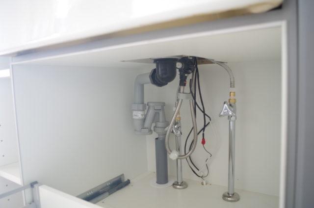 キッチンシックの排水管