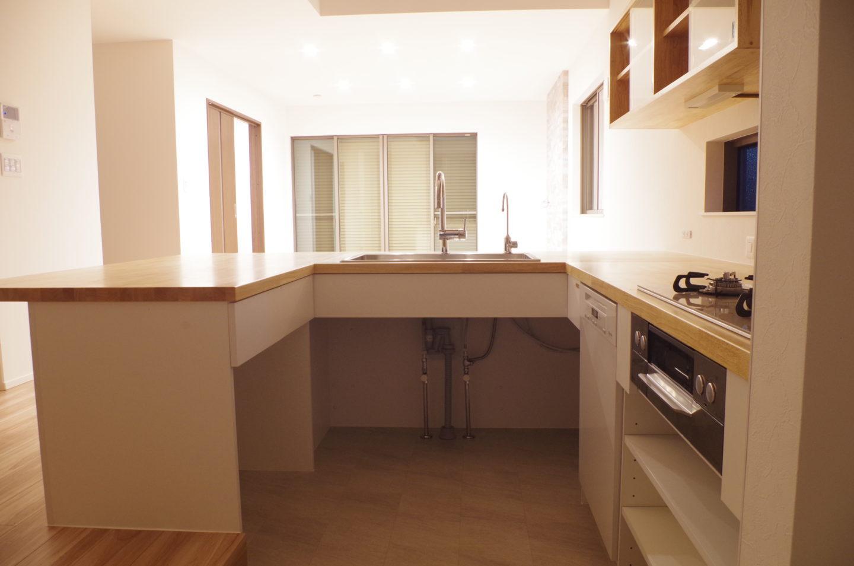 オープンキッチン、シンプルキッチン、ナチュラルキッチン、コの字型キッチン