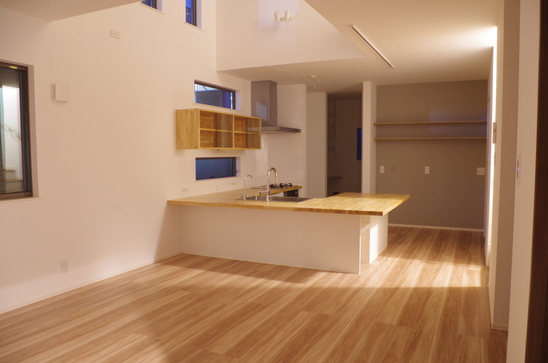 ナチュラルキッチン、シンプルキッチン、木製キッチン、コの字型キッチン