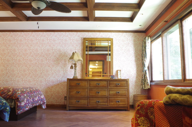 アンティーク家具に合うインテリアへのリフォーム