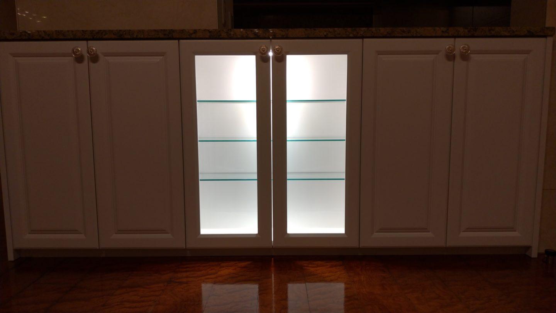 収納家具の間接照明