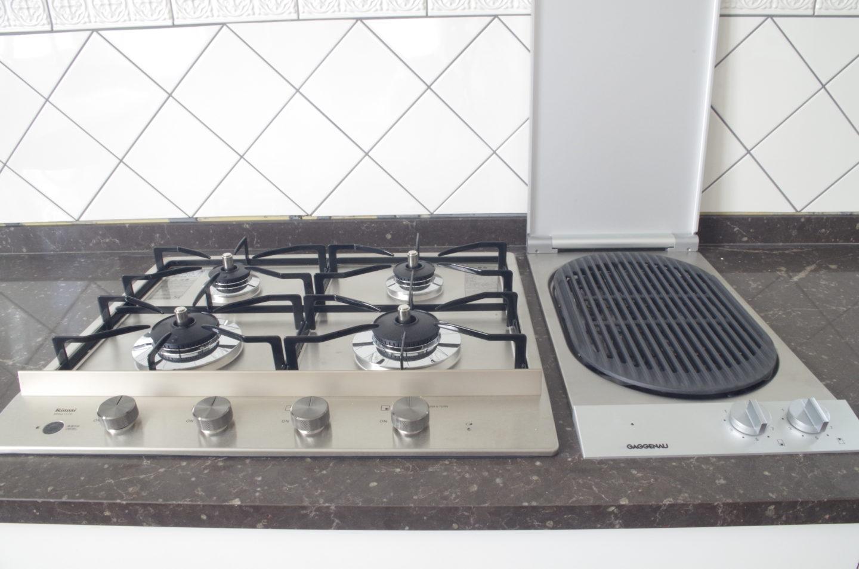 キッチン輸入機器の、GAGGENAU(ガゲナウ)と、Rinnai(リンナイ)の組み合わせ