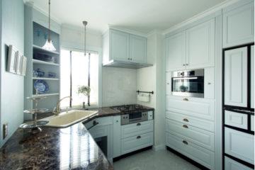 家族がくつろげるリビング一体型キッチン | オーダーキッチンとリノベーションの施行事例|ワイズキッチンファクトリーの画像